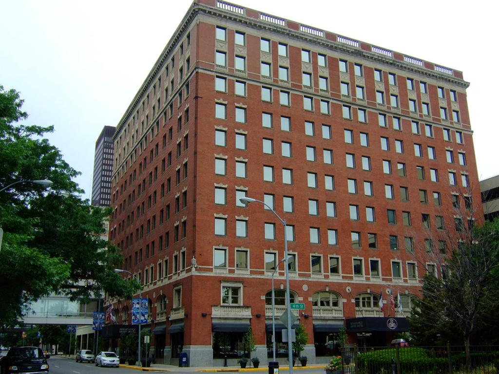 Renaissance Hotel 4